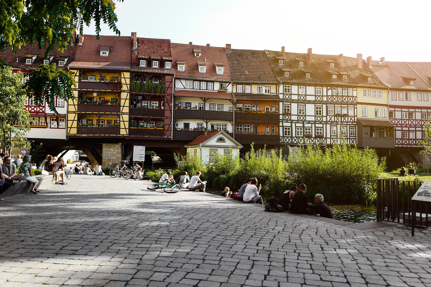 1325 erbaut und mit 32 Häusern bestückt: die Krämerbrücke in Erfurt.